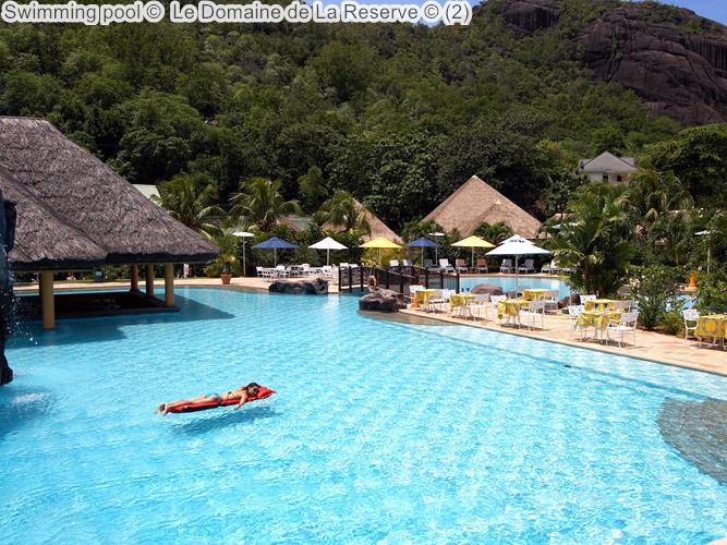 Swimming Pool © Le Domaine De La Reserve ©