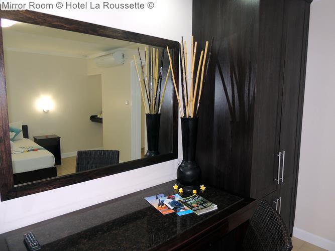 Mirror Room Hotel La Roussette