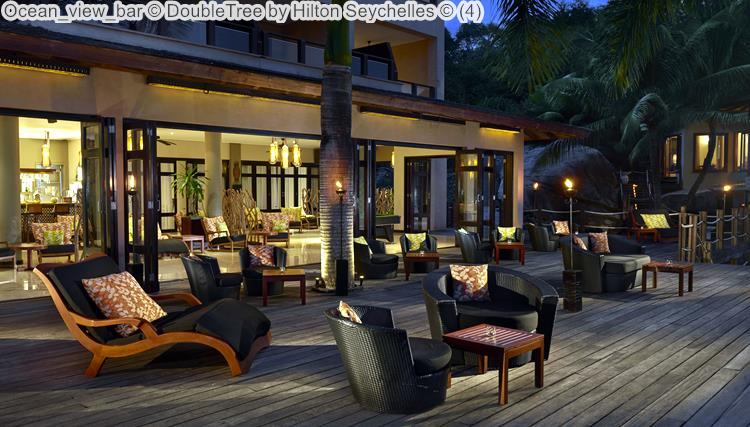 Ocean view bar DoubleTree by Hilton Seychelles