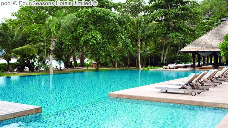 Pool © Four Seasons Hotels Limited ©