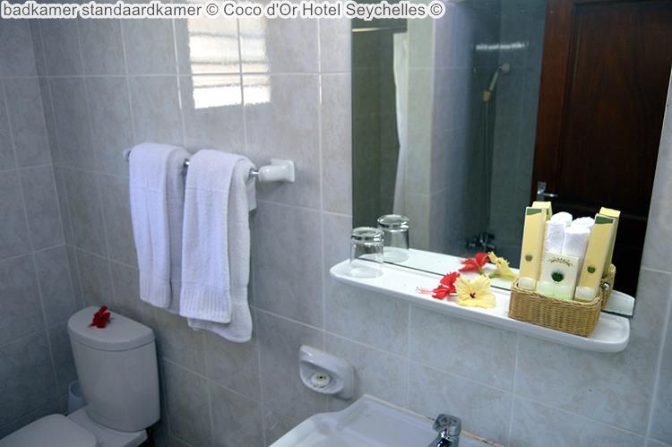 badkamer standaardkamer Coco d'Or Hotel Seychellen