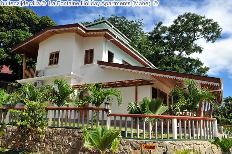 buitenzijde villa La Fontaine Holiday Apartments Mahe