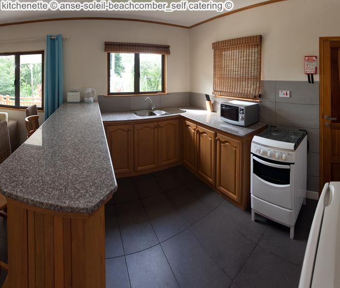kitchenette anse soleil beachcomber self catering Mahé Seychellen