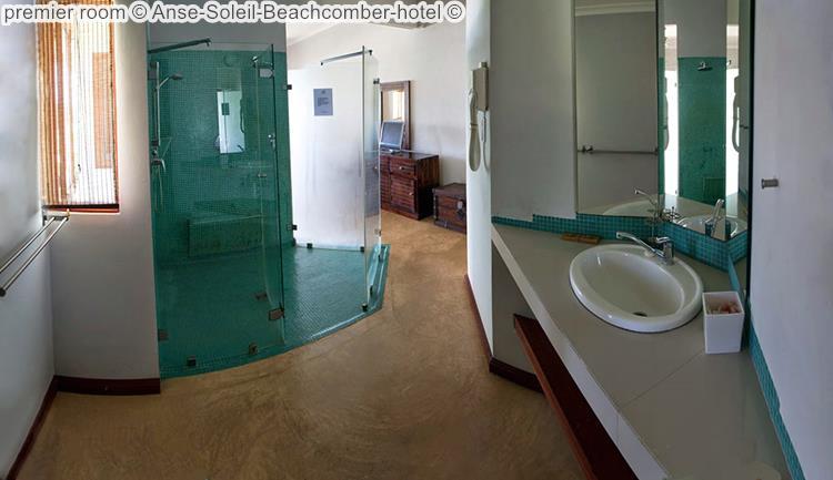 badkamer premier room Anse Soleil Beachcomber hotel Mahé Seychellen