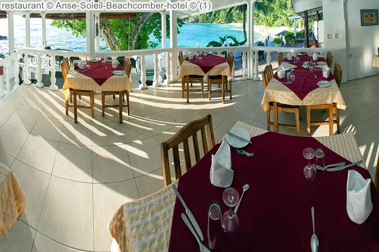 restaurant Anse Soleil Beachcomber hotel met uitzicht op het strand