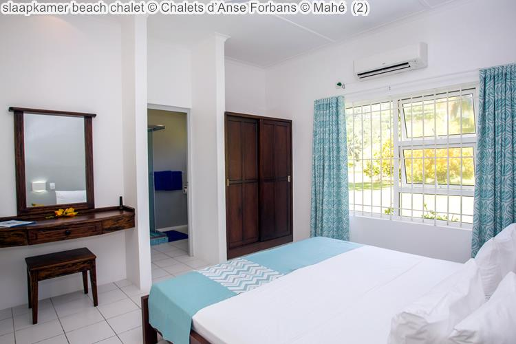 slaapkamer beach chalet Chalets d'Anse Forbans Mahé