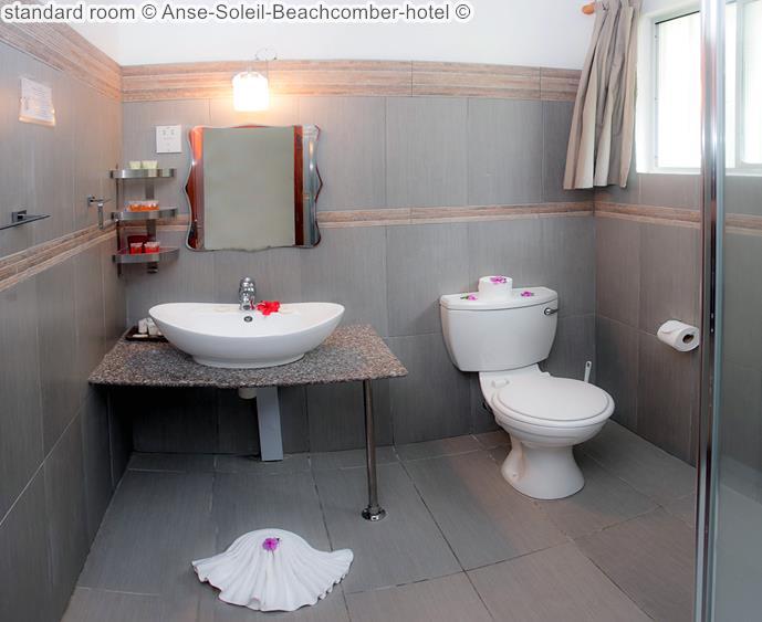 badkamer standard kamer Anse Soleil Beachcomber hotel Mahé Seychellen