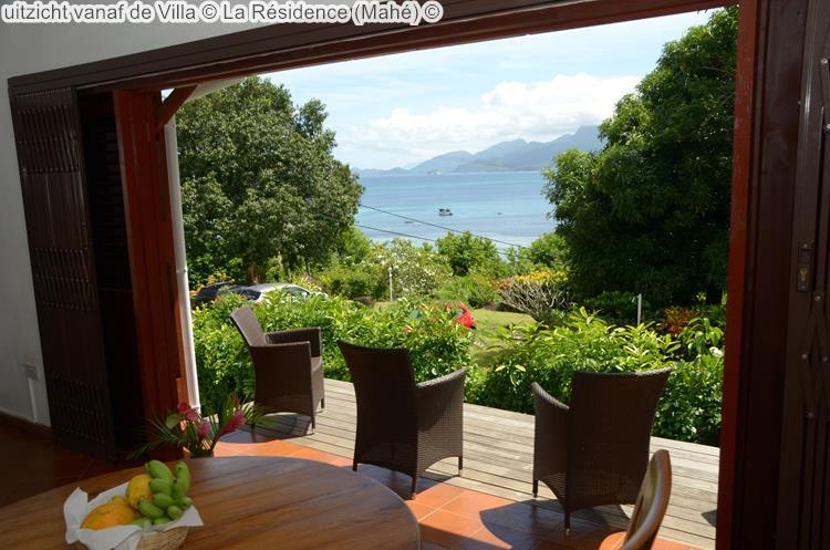 uitzicht vanaf de Villa La Résidence Mahé