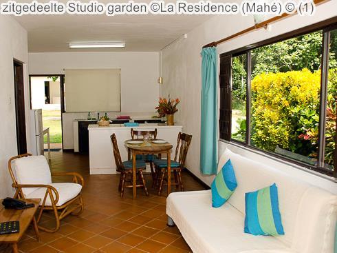 zitgedeelte Studio garden La Residence Mahé