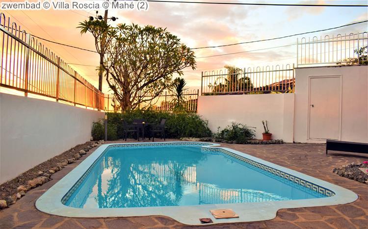 zwembad Villa Roscia Mahé