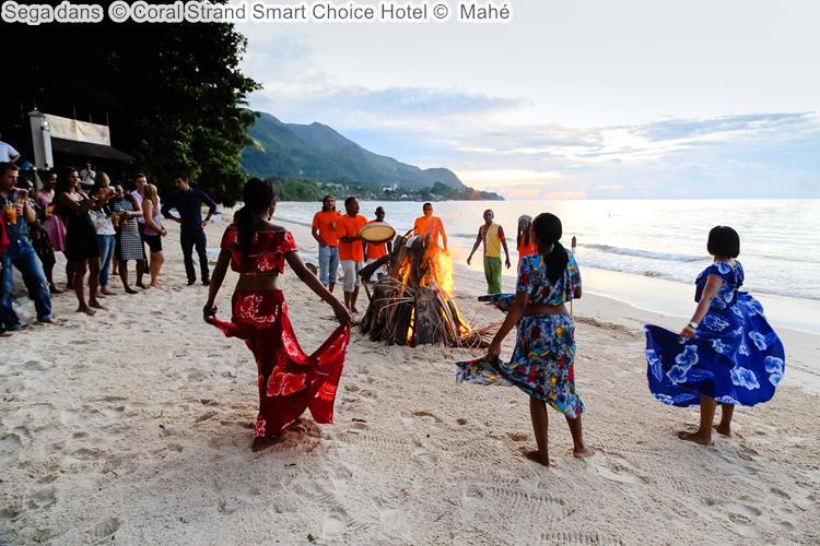 Sega dans Coral Strand Smart Choice Hotel Mahé