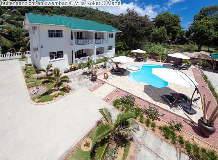 buitenaanzicht en zwembad Villa Koket Mahé