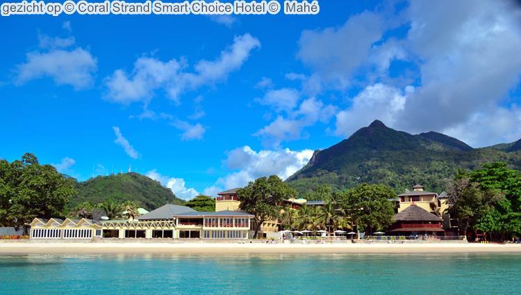 gezicht op Coral Strand Smart Choice Hotel Mahé