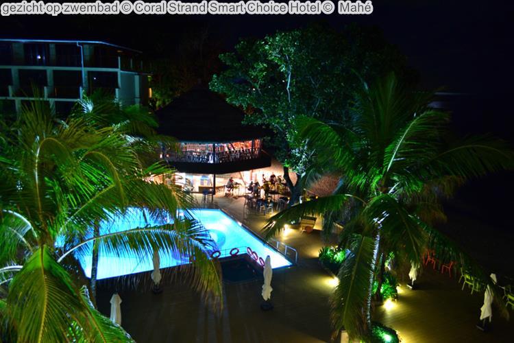 gezicht op zwembad Coral Strand Smart Choice Hotel Mahé