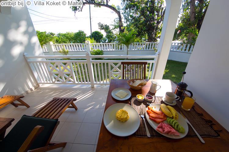 ontbijt bij Villa Koket Mahé