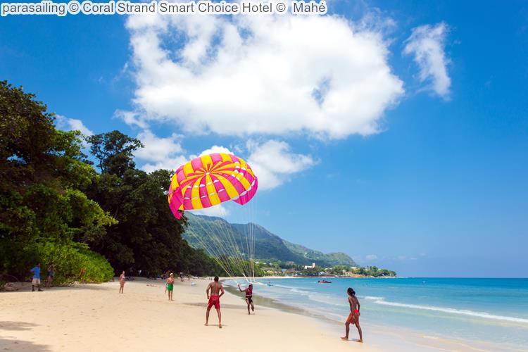 parasailing Coral Strand Smart Choice Hotel Mahé