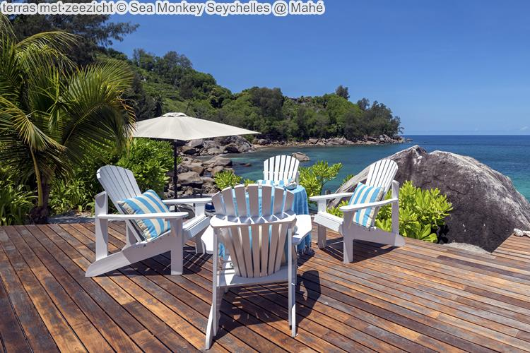 terras met zeezicht Sea Monkey Seychelles Mahé