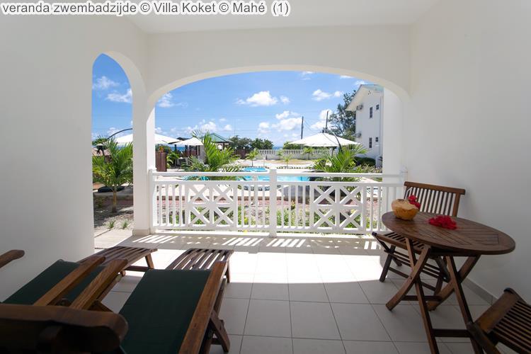 veranda zwembadzijde Villa Koket Mahé