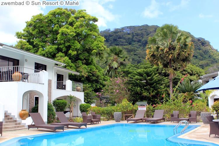 zwembad Sun Resort Mahé