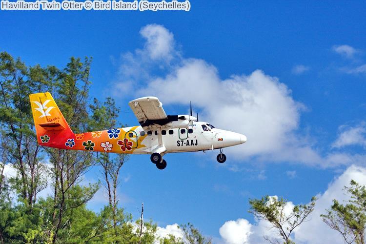 Havilland Twin Otter Bird Island Seychelles