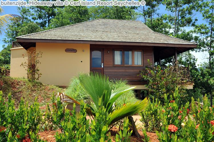 buitenzijde Hideaway villa Cerf Island Resort Seychelles