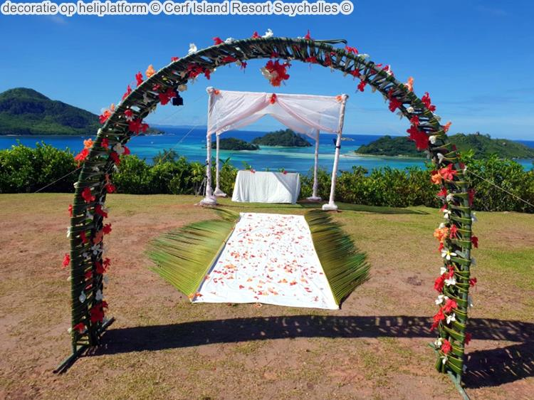 decoratie op heliplatform Cerf Island Resort Seychelles