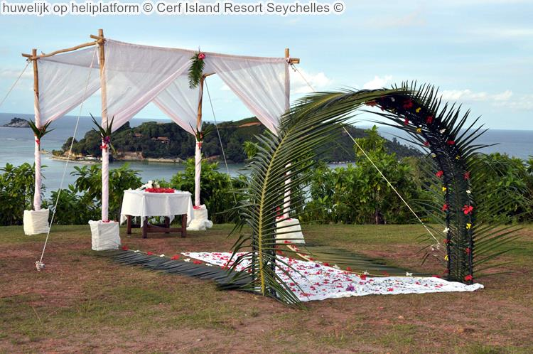 huwelijk op heliplatform Cerf Island Resort Seychelles