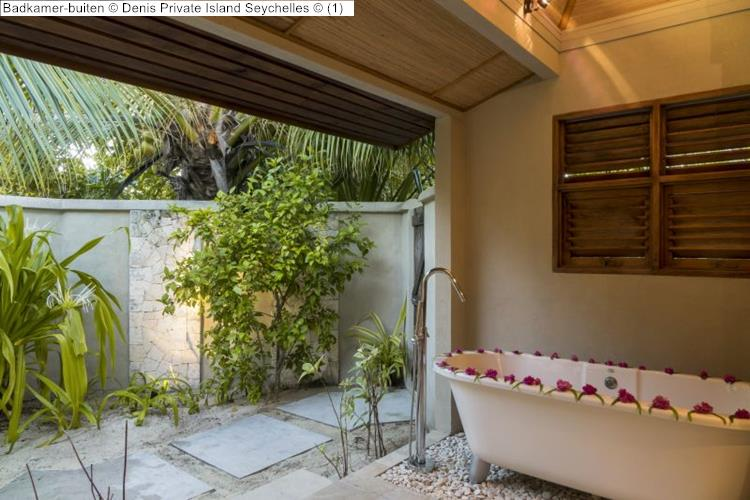 Badkamer buiten Denis Private Island Seychelles