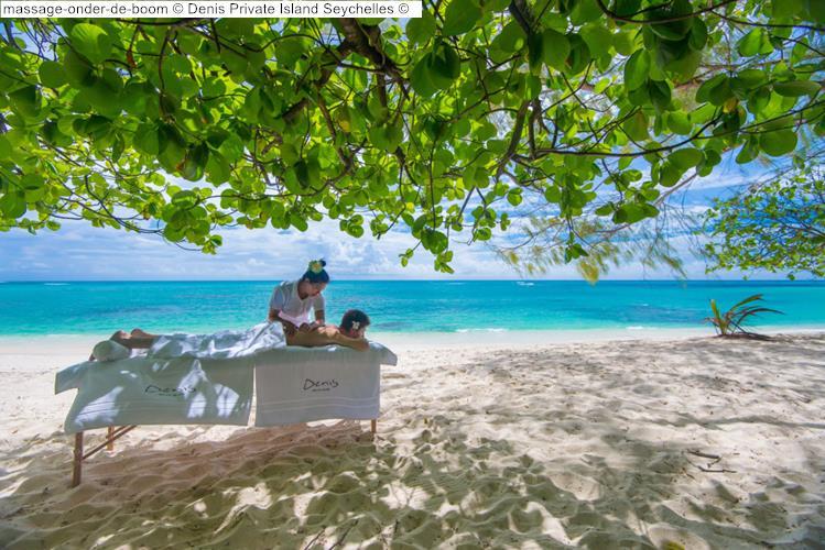 massage onder de boom Denis Private Island Seychelles
